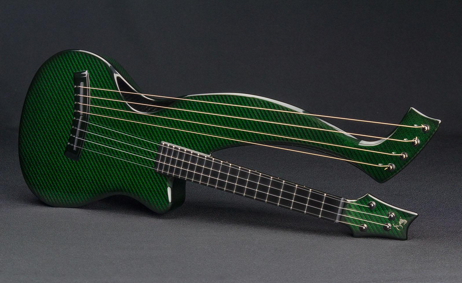 Short scale guitar Amicus Emerald Guitars