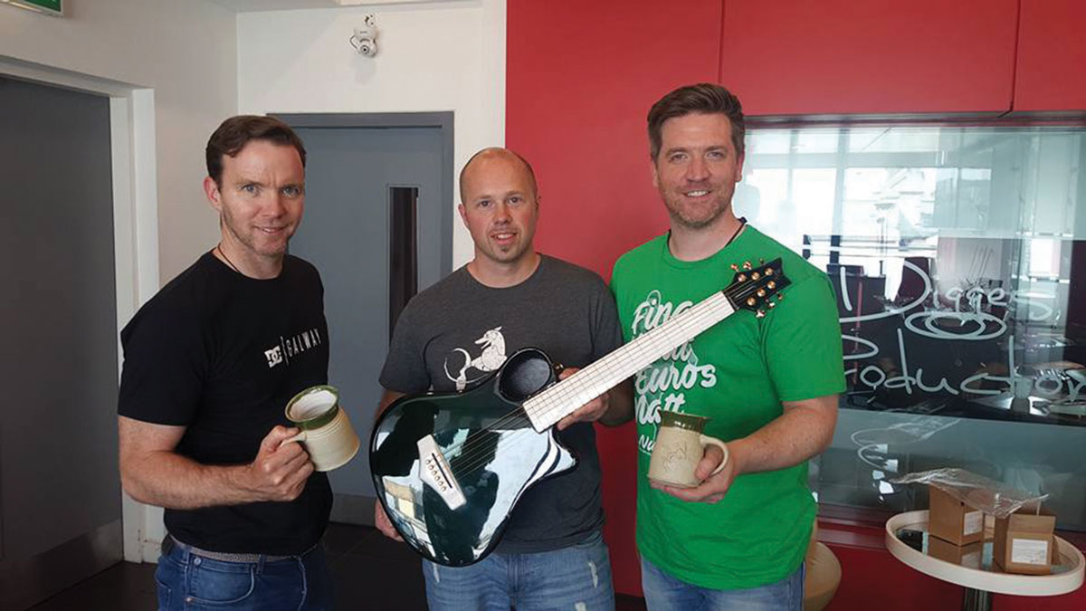 Emerald-Guitars-At-Today-Fm